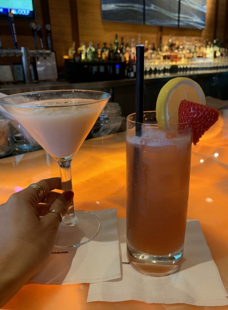 Alaloa Bar & Lounge